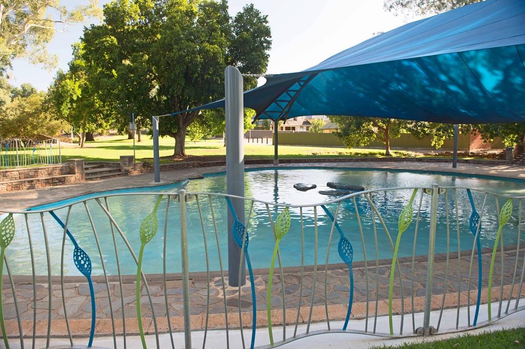 Tusmore Park Pool