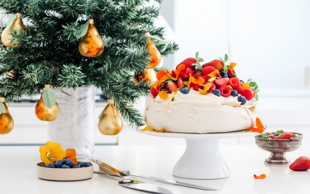 Annabel Cooks: The ULTIMATE Christmas Pavlova