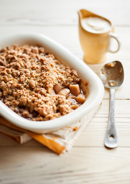 caramelised pear and ginger crumble